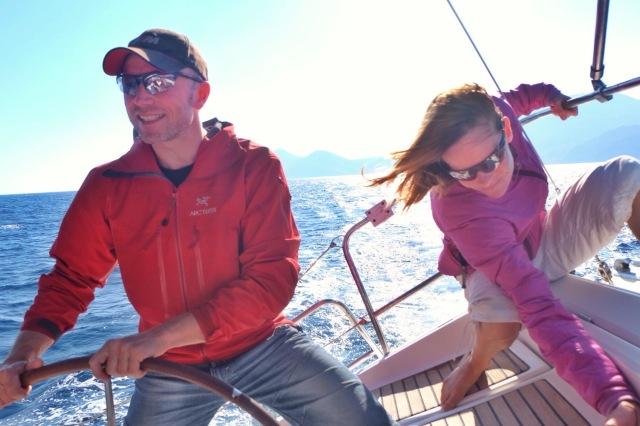 Så kom der vind i sejlene, sidste stræk med smuk sol og god vind i ryggen