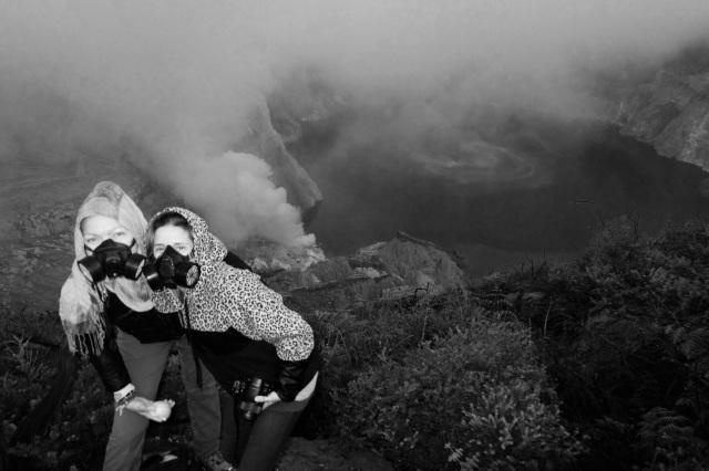 Toppen af vulkanen, med udsigt ned til kratersøen
